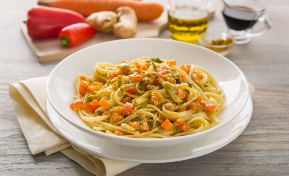 linguine curry e verdure